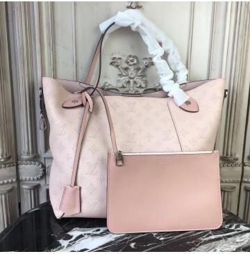 Louis Vuitton Mahina Leather Hina MM Magnolia