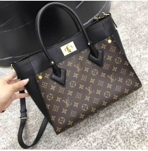 Louis Vuitton On My Side M53823