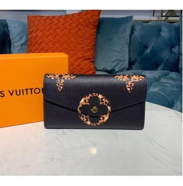 Louis Vuitton Monogram Giant Sarah Wallet M67875