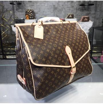 Louis Vuitton Monogram Canvas Hunting Bag M41140